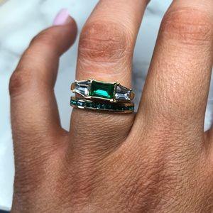 Jewel mint emerald ring set